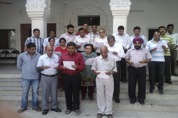 Swachh Bharat Abhiyan Oath by Director/F&C , Director/Tech and officals of PSTCL